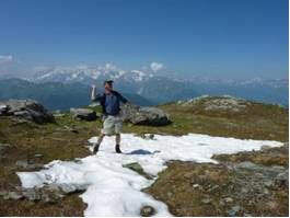 Walking t hesnow line.Summer in Verbier